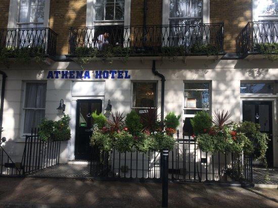 Athena Hotel: Main entrace