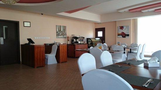 Muscat Dunes Hotel Photo
