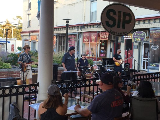 Middletown, DE: The Barrelhouse Blues band