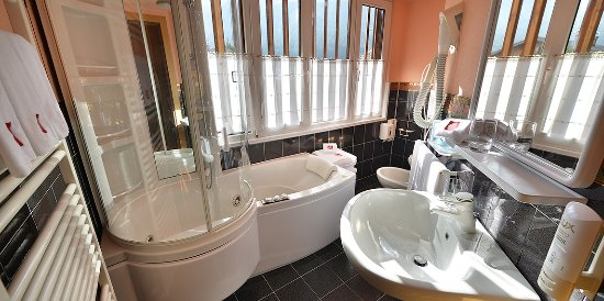 Hotel Astra: Bagno camera famigliare