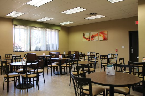 Quality Inn, Mount Airy : Breakfast Area