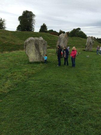 Avebury, UK: Walking around one of the circles
