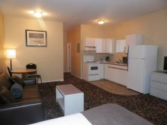 Creston, Kanada: Full kitchen suite
