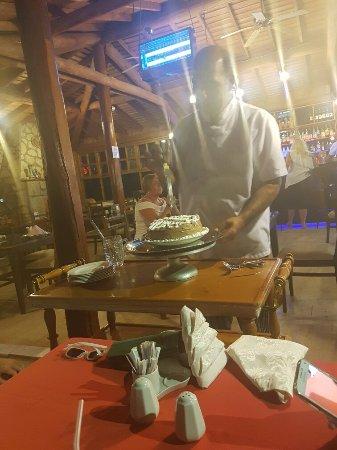 Saray Hotel: 20160903_205219_large.jpg