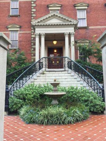 Wentworth Mansion Photo