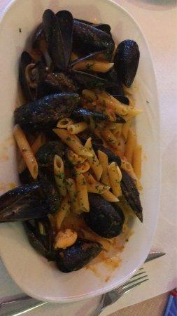 Oggebbio, Itália: Supper Essen gute Lage guter Preis
