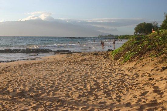 Kamaole Beach Park 3: close to sunset