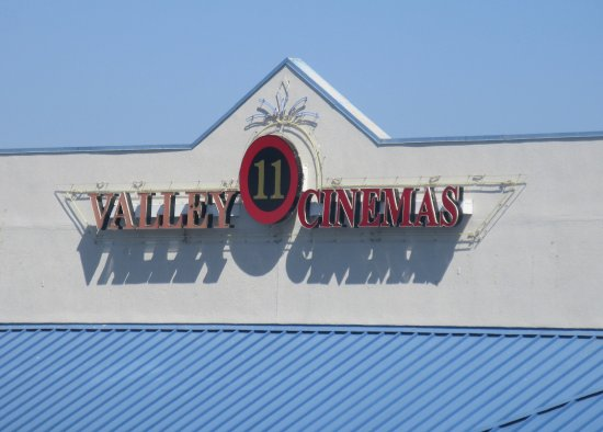 Valley 11 Cinemas, Anderson, Ca