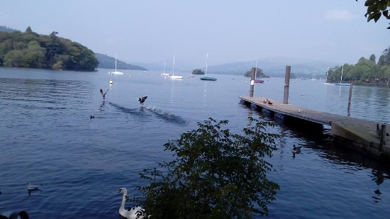 Bowness-on-Windermere, UK: What a beautiful location!