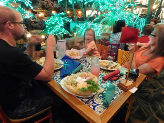 Lakewood, CO: You do get a LOT of food, and, ENDLESS SOPAPILLA'S!