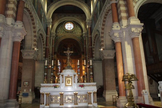 Albert, Francja: Altar