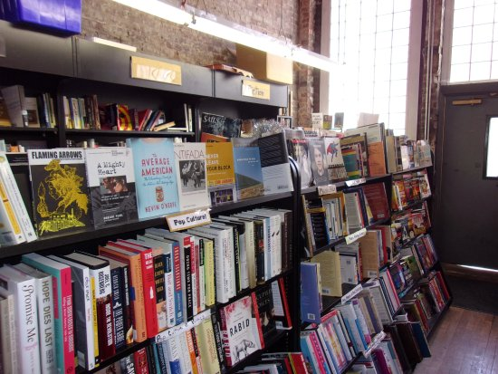 Taylor Books Cafe: Used Book Room