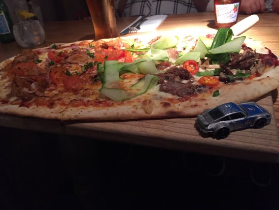 Walton on Trent, UK: Pizza and brownie desert