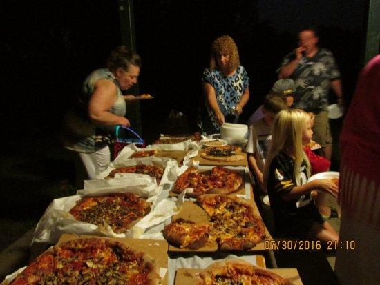North Huntingdon, PA: Vinnie's Pizza