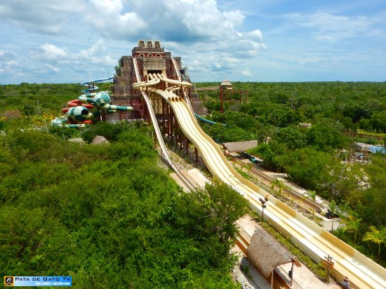 ‪‪Maya, Lost Mayan Kingdom‬: This pyramid is the center of the park and heart of the water slides and zip lines.‬