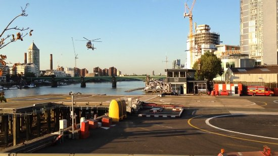 Crowne Plaza London - Battersea: Heliport next to the hotel