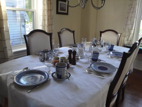40 Bay Street Bed & Breakfast: Breakfast Room