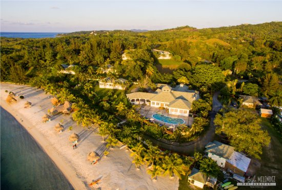 Turquoise Bay Dive & Beach Resort: Up from above