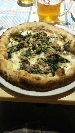 Fabriano, Włochy: Pizzeria Bella Ischia