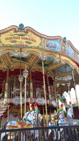 Pomona, Californie : Double decker carousel