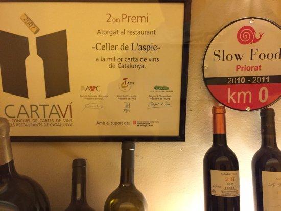 Falset, Spanje: Awards and wines