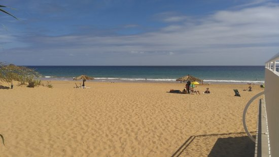 Aparthotel Luamar: Vista do solário para a praia.......