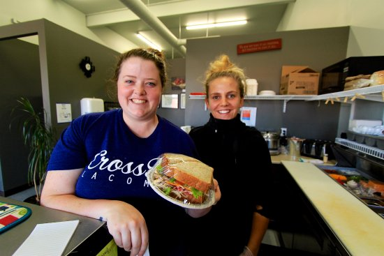 Lacombe, Canadá: The fast, friendly servers at Eastside Eatery