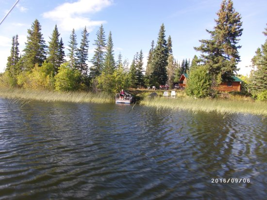 Nimpo Lake, Kanada: Cabin from lake