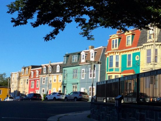 Gower Street House Bed and Breakfast: Colorful houses on Gower Street .