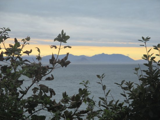 Turnberry, UK: Goatfell on Arran from the beach