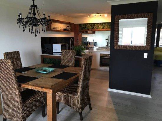 Cabarita Beach, Austrália: Dining kitchen area