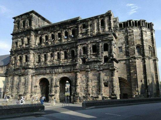 Secrets of the Porta Nigra
