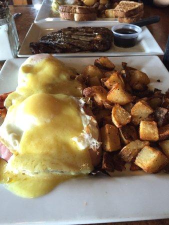 Onalaska, WI: Green eggs and ham