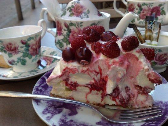 Ambrieres-les-Vallees, Francia: les gâteaux façon mamie a tomber