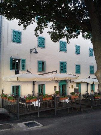 Hotel Vela Vrata: Exterior view of the hotel