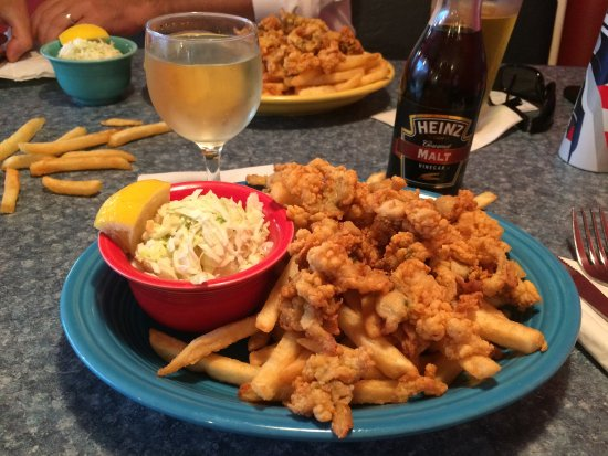 West Boylston, MA: Tender fried clams
