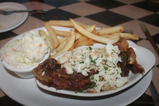 Reedville, VA: Crab on Crab with fries and slaw