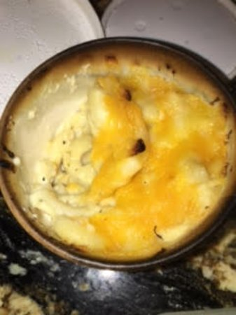 SuzyQue's BBQ & Bar: Mac&Cheese Warmed or Cooked in a PAPER Carry-Out Cup!
