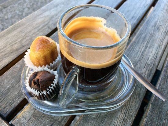 Beaulieu-sur-Dordogne, France : Great local coffee