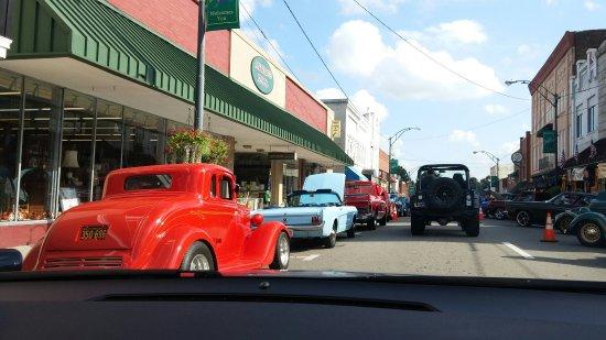 Mount Airy, Carolina del Norte: Car show Downtown Mt. Airy, NC