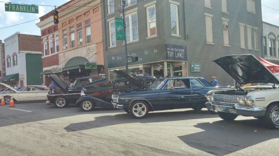 Mount Airy, Carolina do Norte: Car show Downtown Mt. Airy, NC