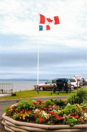 Pictou, Canadá: Flags & Garden