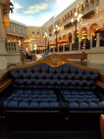Gondola Rides at the Venetian : 20160917_181146_large.jpg