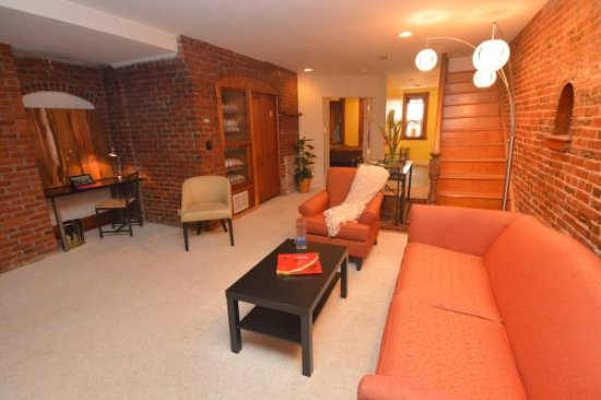 Beautiful One Bedroom Basement Apartment
