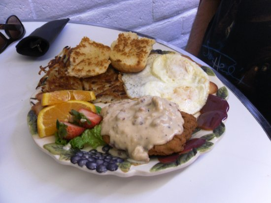 Keno, OR : Robert's chicken fried steak was tasty and filling!