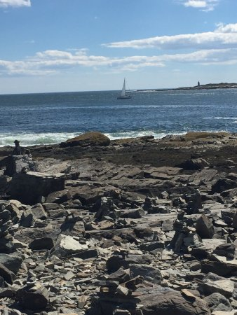 Peaks Island, ME: Rock statues