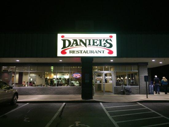 Kasson, MN : Daniel's Restaurant