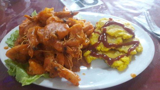 Aguadulce, Panama : Disfrutando las delicias del mar.
