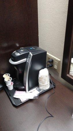 Sleep Inn Garner : Keurig coffee machine and accessible outlets