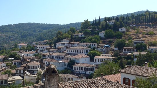 kusadasi tour company pretty town of sirince